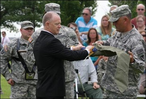 Don Barclay of CMA and UMCD Commander Lt. Col. Kris Perkins case the colors